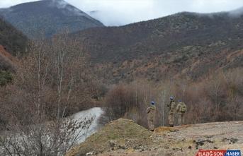 Tunceli'de bottan Munzur Çayı'na düşen uzman çavuşu arama çalışmaları sürüyor