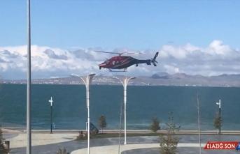 Van Gölü sahillerine helikopterle