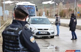 Erzurum'da polislerin Kovid-19 mesaisi