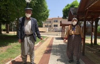 65 yaş ve üzeri vatandaşlar yeniden sokağa çıktı
