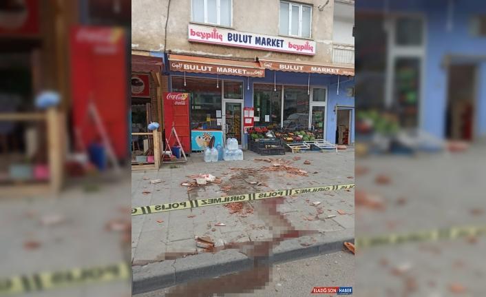 Erzurum'da başına soba bacası düşen kişi ağır yaralandı