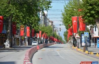 Gaziantep, Malatya, Şanlıurfa ve Kahramanmaraş'ta sokak ve caddeler boş kaldı