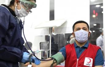 Nevşehir'de protokol üyeleri ve belediye personelinden kan bağışı