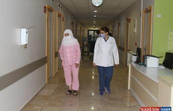 Van'da felç geçiren yaşlı kadın inme merkezindeki tedaviyle sağlığına kavuştu
