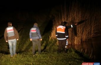 Van'da kaçak avlanan 2 ton inci kefali suya bırakıldı
