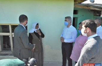 Malatya Valisi Baruş Pütürge'deki depremzedeleri ziyaret etti