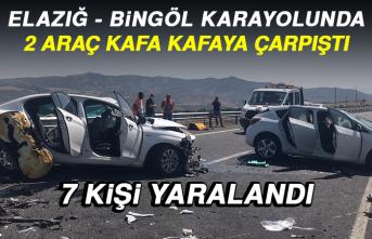 Elazığ - Bingöl Karayolunda 2 Araç Kafa Kafaya Çarpıştı