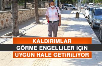 Elazığ'da Kaldırımlar, Görme Engelliler İçin Uygun Hale Getiriliyor