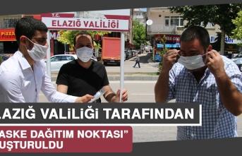 Elazığ'da Maske Dağıtım Noktası Standı Açıldı