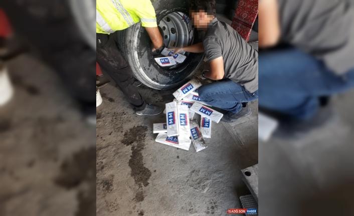 Van'da kamyon lastiğinde kaçak sigara ele geçirildi