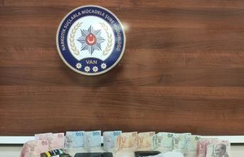 Van'da uyuşturucu sattığı iddia edilen zanlı tutuklandı