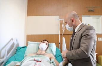 Ağrı Valisi Varol, Yıldırım-3 Operasyonunda yaralanan askeri hastanede ziyaret etti