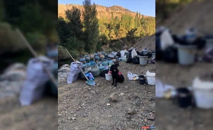 Bingöl'de PKK'lı teröristlerin kullandığı 4 odalı sığınakta patlayıcı ele geçirildi