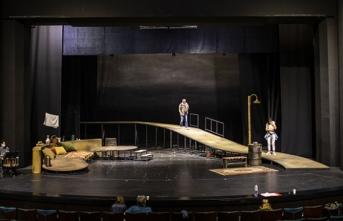 Devlet Tiyatrolarının sahnelerini özel tiyatrolar da kullanabilecek