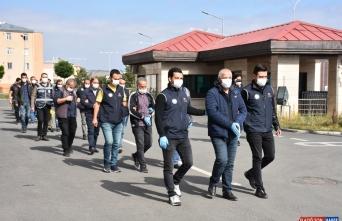 Kars merkezli operasyonda HDP'li belediye yöneticilerinin de arasında olduğu 21 kişi adliyeye sevk edildi