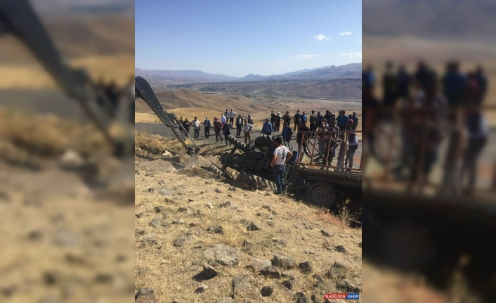 Kars'ta traktör devrildi: 1 ölü, 2 yaralı