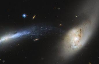 Hubble Uzay Teleskobu, Çarpışma Öncesi İki Dev Galaksiyi Görüntüledi
