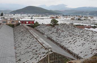 Kumluca'daki Şiddetli Yağış Ve Fırtınanın Zararı 100 Milyon Lira