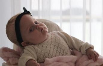 Sağlık Bakanlığı'nın sahip çıktığı Alicia bebek 1 yaşına girdi