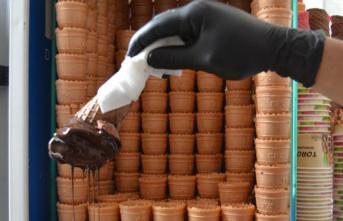 Bilecikli Dondurmacılar, Havalar Isınmadığı İçin Dertli