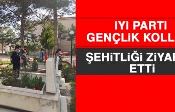 İYİ Parti Gençlik Kolları Üyeleri Şehitliği Ziyaret Etti