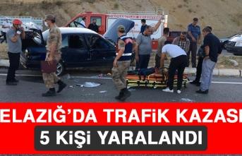 Elazığ'da Trafik Kazası, 5 Kişi Yaralandı