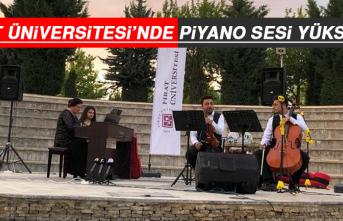 Fırat Üniversitesi'nde Piyano Sesi Yükseldi