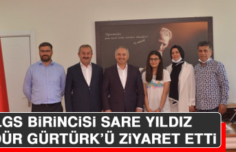 LGS Birincisi Sare Yıldız, Müdür Gürtürk'ü Ziyaret Etti