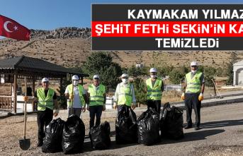 Kaymakam Yılmaz, Şehit Fethi Sekin'in Kabrini Temizledi
