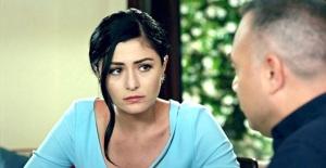 Deniz Çakır, Gazeteci Cüneyt Özdemir'le Aşk İddiaları Haberleri İçin Mahkemeye Başvurdu