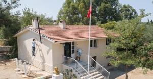 İzmir'de Rehabilite Edilen Çocuklar Okul Tadilatı Yaptı