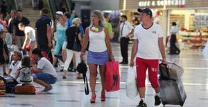 Türkiye, İlk 3 Ayda Turizmden 4,6 Milyar Dolar Gelir Elde Etti