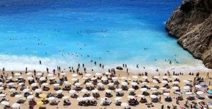 Antalya 5 ayda 3 milyondan fazla turist ağırladı