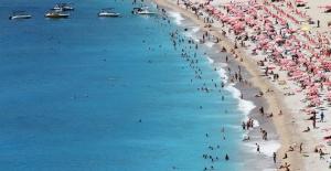 Antalya'da tüm zamanların rekoru kırıldı: Turist sayısı 10 milyonu geçti