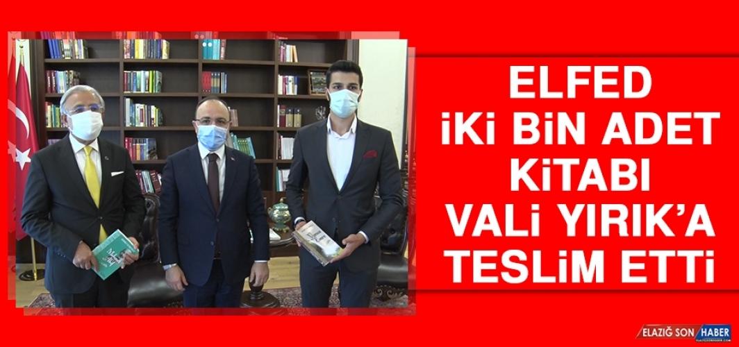 ELFED İki Bin Adet Kitabı Vali Yırık'a Teslim Etti