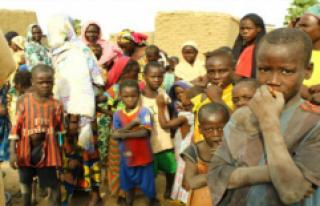 Çad'da su sıkıntısı çocukların canına...