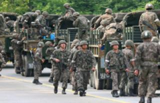 Çin, Kuzey Kore sınırına asker yığdığı iddialarını...