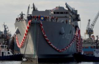 """En Büyük Yerli Savaş Gemisi """"Bayraktar""""..."""