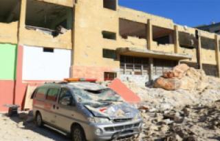 Hava saldrıları İdlib'de hastaneyi hedef aldı:...