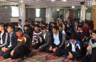 Öğrenciler Camide Buluştu