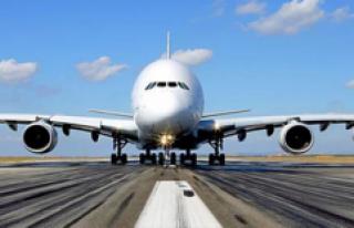 ABD uçağındaki tartışmada Türk genci gözaltına...