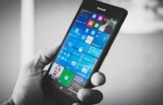 Microsoft, 7 telefon Modeline Daha Kıydı