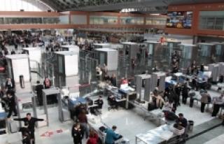 Son 11 Yılda Türkiye Havalimanlarını Kullanan...