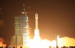 Çin Yer Gözlem Uydusu Gaofın-5'i Uzaya Gönderdi