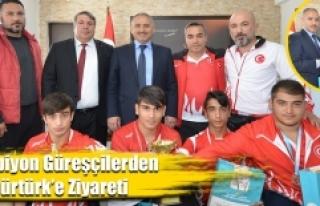 Güreşçi Öğrencilerden Göktürk'e Ziyaret