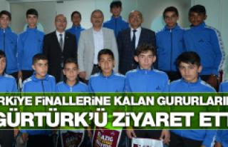 Türkiye Finalisti Hentbol Takımından Gürtürk'e...