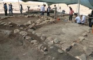 Domuztepe'de 8 Bin Yıllık Tıraş Bıçağı...