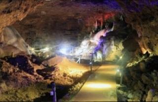 İncesu Mağarası Her Yıl Binlerce Ziyaretçiyi...