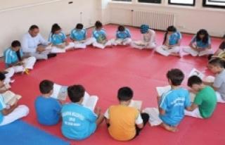 Önce Kitap Okuyor Sonra Antrenman Yapıyorlar