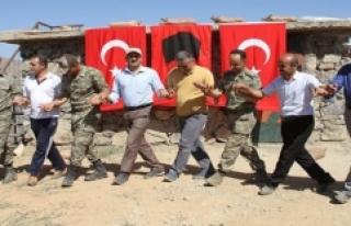 Türk Bayraklarıyla Gomane Dağı'na Tırmanıp...